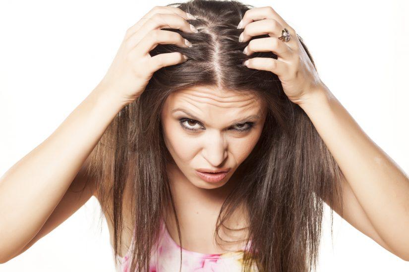 Может ли перхоть вызвать выпадение волос?